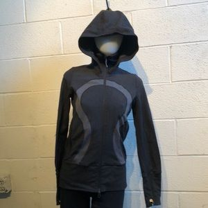 Lululemon gray zip up jacket w/ hood sz 6 59758